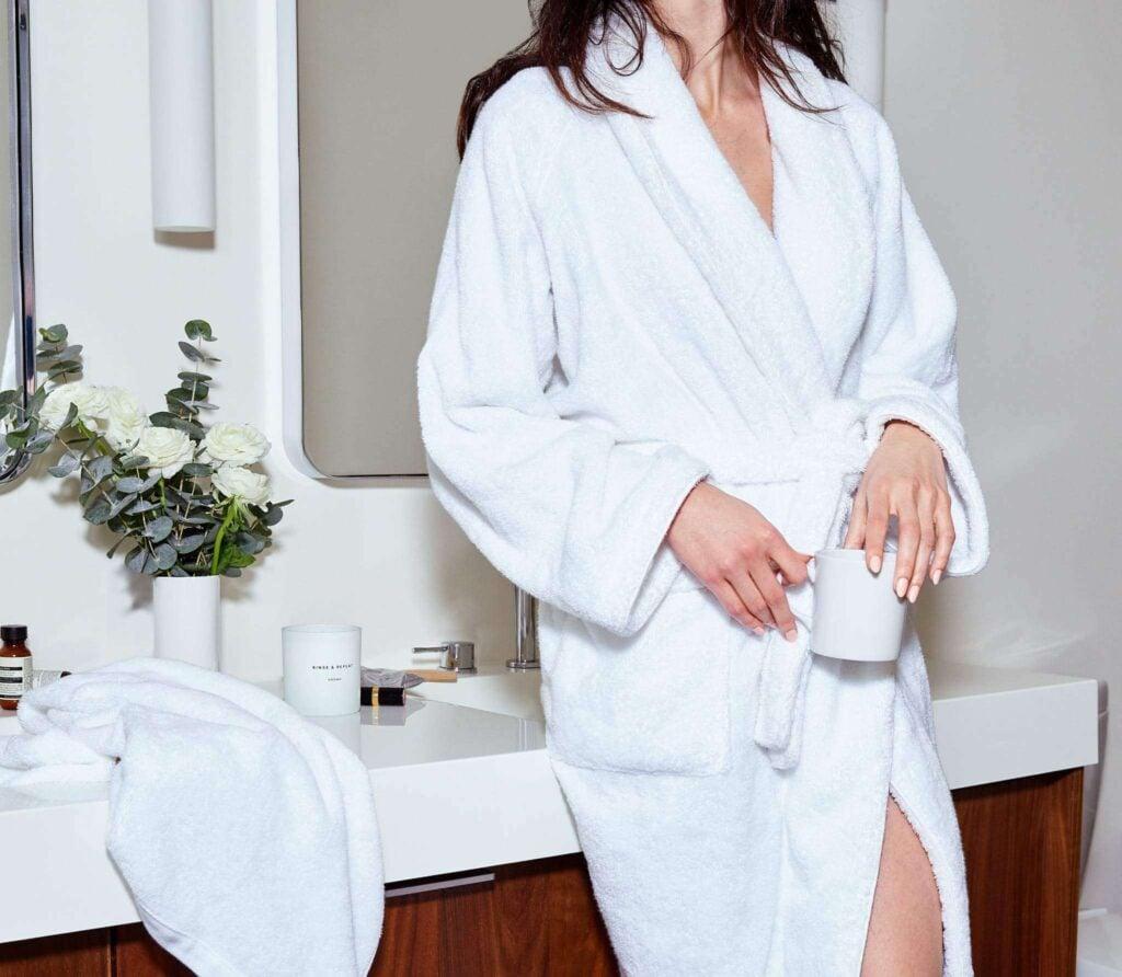 Snowe organic cotton robe in white